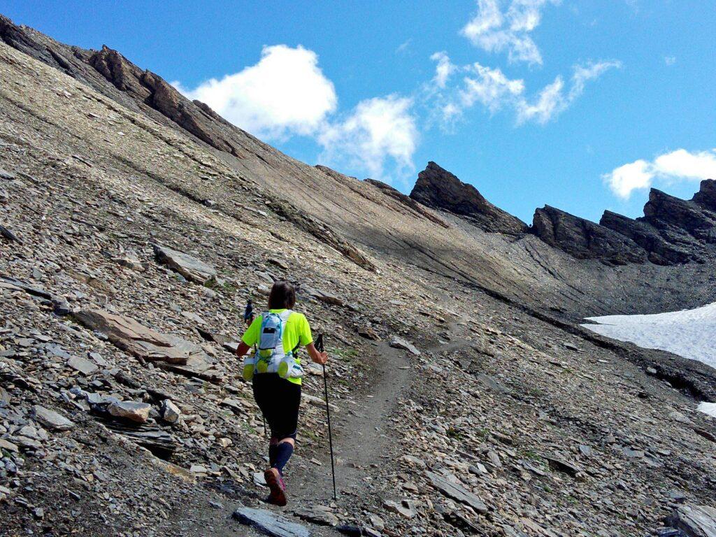 Salita al Col de Malatra, in Val Ferret.