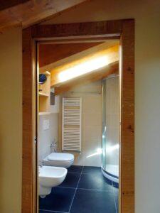Bagno di una camera dell'Hotel Aigle, Courmayeur Mont Blanc.