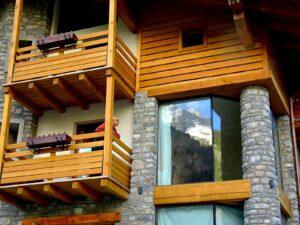 Veduta esterna di una camera dell'Hotel Aigle, Courmayeur Mont Blanc.