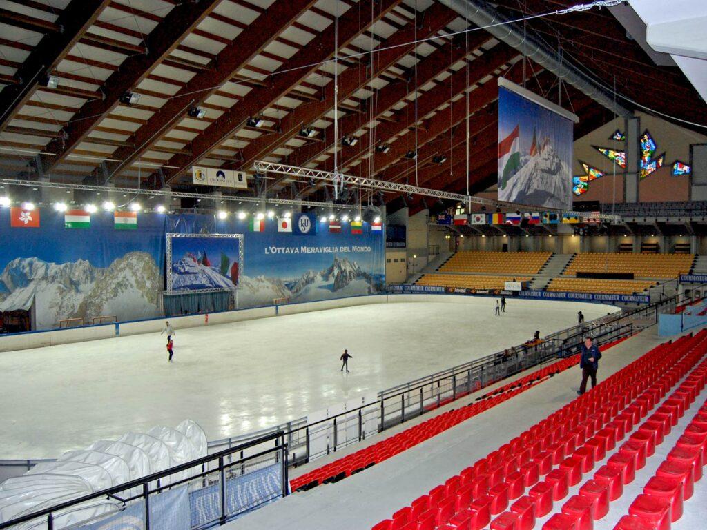 Pista di pattinaggio su ghiaccio del Courmayeur Sport Center.
