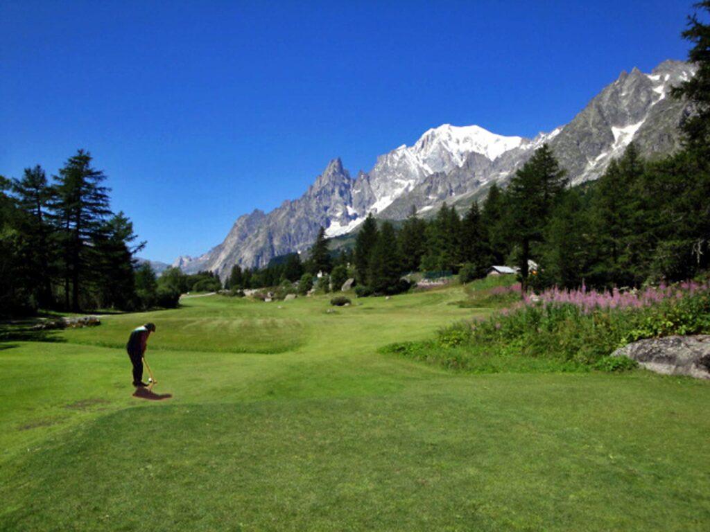 Il privilegio di poter giocare a golf in Val Ferret.