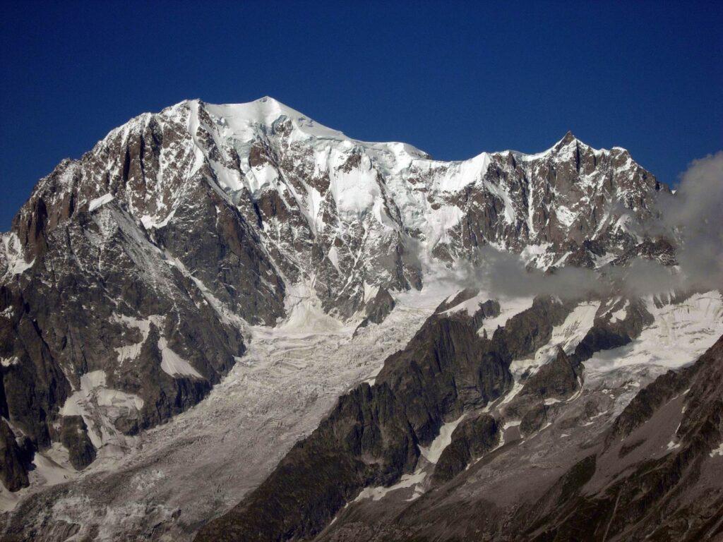 Il massiccio del Monte Bianco dal colle del Battaglione Aosta.