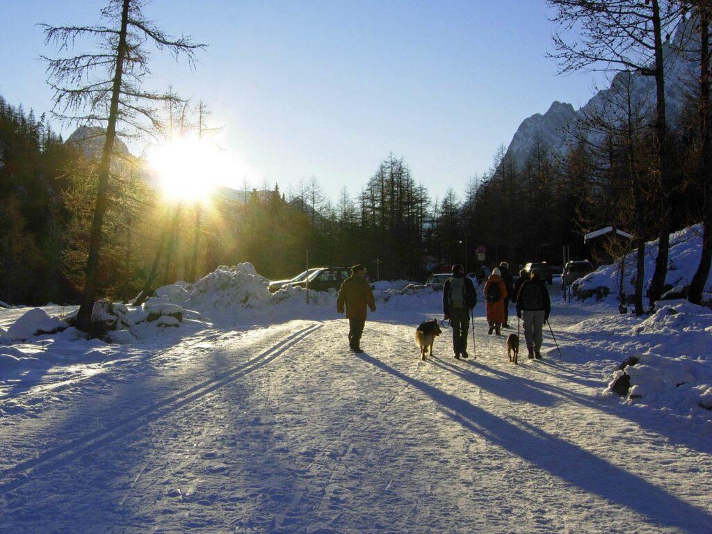 Ritorno serale dopo una passeggiata in Val Ferret.