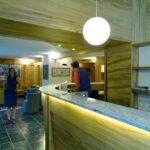 Reception dell'Hotel Aigle a Courmayeur Mont Blanc.