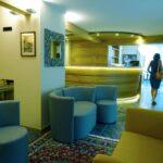 Reception e soggiorno dell'Hotel Aigle a Courmayeur Mont Blanc.