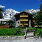 Il retro dell'Hotel Aigle con la vista sul Monte Bianco.
